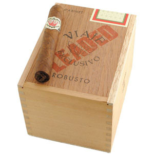 Viaje Exclusivo Leaded Robusto Cigars
